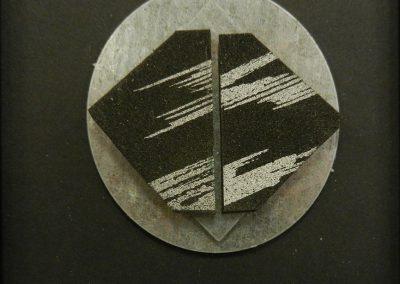Zonder titel - metaal en rubber - 10 x 10 cm